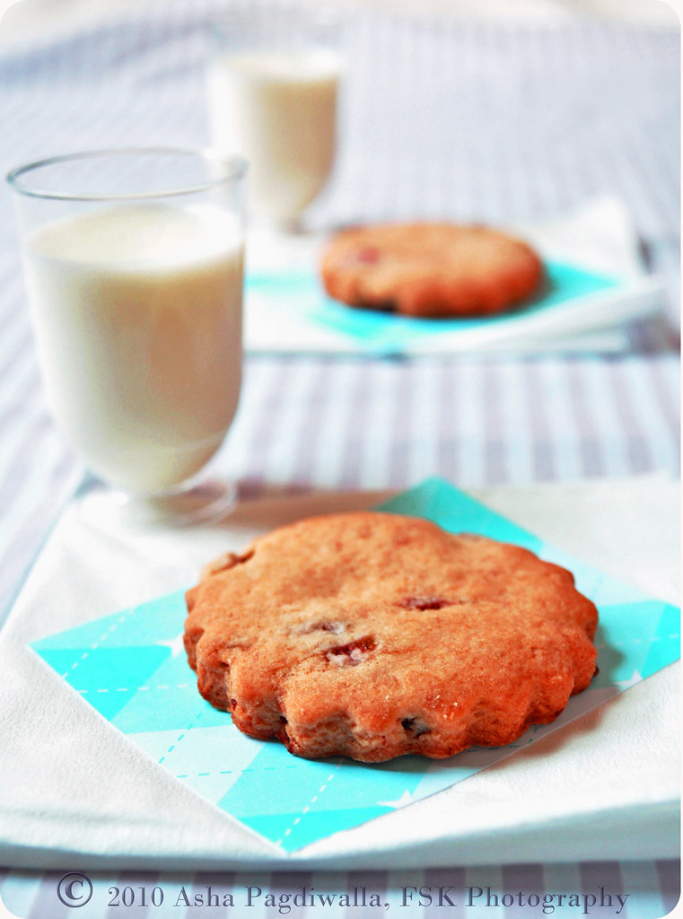 milk and cookies1