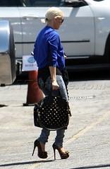 Christina Aguilera (ChristinaAguileraChina) Tags: ca sunglasses studio unitedstates christina american idol blonde heels burbank candids aguilera christinaaguilera