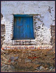 Don Julio does not live here anymore (uteart) Tags: old window mexico explore adobe decayed abode supershot platinumphoto impressedbeauty aplusphoto utehagen uteart explore081307 blueshutterbrick