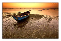 The blue boat (alonsodr) Tags: andaluca bravo searchthebest sony filters cdiz alonso soe 10sec sigma1020mm cokin sanlcardebarrameda naturesfinest softsunset supershot magicdonkey alonsodr flickrsbest alpha100 gnd8 abigfave platinumphoto anawesomeshot colorphotoaward superaplus aplusphoto holidaysvacanzeurlaub infinestyle goldenphotographer bratanesque superhearts alonsodaz flickrslegend theperfectphotographer superperfectphotographer