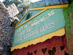 House of Mirrors - Santa's Village (Vintage Roadside) Tags: california santa abandoned amusementpark roadsideattraction lakearrowhead defunct santasvillage skyforest vintageroadside