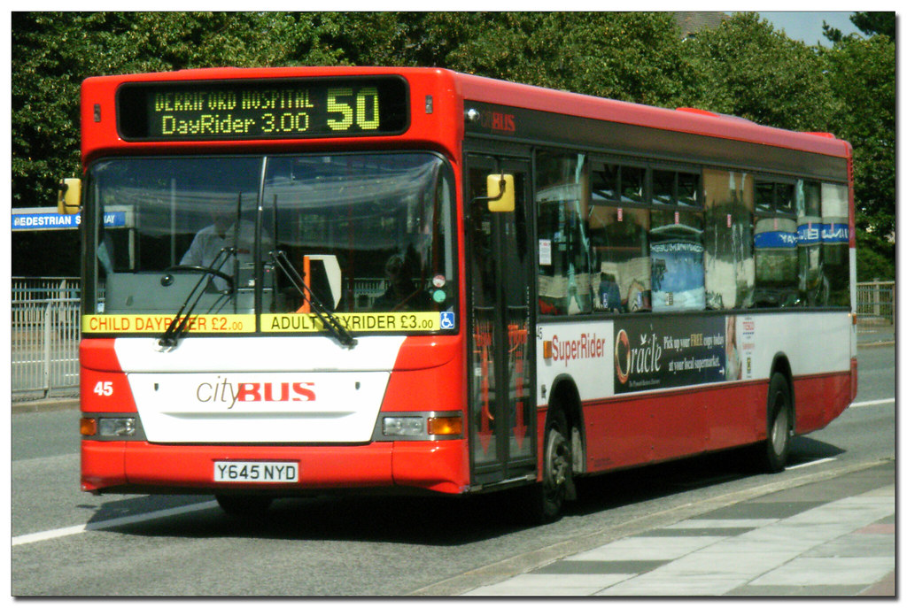 Plymouth Citybus 045 Y645NYD