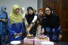IMG_8973 (UmmAbdrahmaan @AllahuYasser!) Tags: birthday cake hijab ...