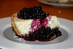 cheesecake con salsa de blueberries
