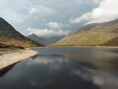 Silent Valley Water Reservoir (Jule_Berlin) Tags: ireland irish mountains reflection water clouds nationalpark loneliness irland reservoir creativecommons northernireland cy 2007 mournemountains jule silentvalley top20ireland challengeyouwinner cywinner platinumheartaward juleberlin