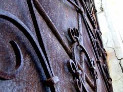 Puerta Oxidada II (Jorgelixious) Tags: door cemetery fuji cementerio finepix oxide olmue s5600