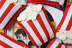 Broche Pipoca (Rocked My Soul) Tags: cinema brasil pin broche handmade stripes pregadeira craft felt cine popcorn movies feltro pipoca botton listras