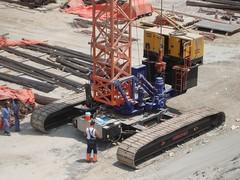 Dubai, Emirates (fatboyke (Luc)) Tags: bridge building construction dubai crane sony uae july cranes emirates zayed qatar 2007 crawler roadconstruction burjdubai wpj industrialscene arcomet rasalkhorcrossing
