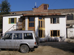 Inder's house at Ner chowk near Mandi (pallav moitra) Tags: clouds falls silverlining inder diwan dasam
