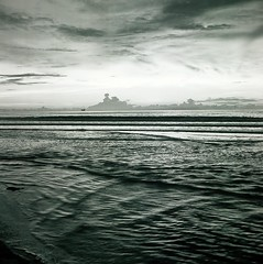 Last light over the South China Sea. (ndnbrunei) Tags: blackandwhite bw 120 6x6 tlr film rollei mediumformat square southeastasia kodak bn mf kodakbw400cn brunei xenar rolleicord bw400cn classicblackwhite 25faves rolleigallery ndnbrunei 50yearoldcamera ilovemyrolleicord