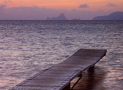 Es Vedr 8460 (Javier Melero Sebastin) Tags: summer espaa island atardecer vacances muelle mar spain holidays embarcadero summertime es formentera jams mediterrneo balearicislands illesbalears vedr molinodesal