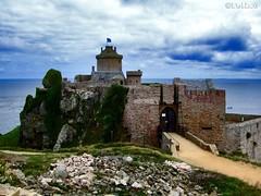 Luoghi (Places) (Felice Cirulli) Tags: costa mare felice francia castello rocca felixe scogliera bretagna fortlalatte