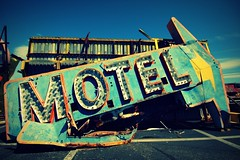 (ANOTHER OLDIE FROM THE ARCHIVES) (artsy_T) Tags: vegas lasvegas nevada motel arrow boneyard signmuseum theboneyard