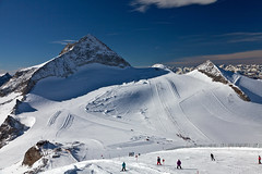 Olperer Peak and Terrain Park (Bavarian Ski Club) Tags: winter snow ski austria europa europe glacier snowboard gletscher tux zillertal hintertux oesterreich tuxertal bavarianskiclub