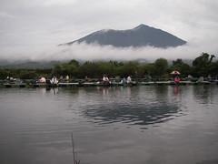 筑波湖より筑波山を望む