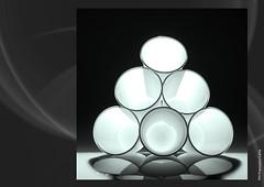 PLASTIC GLASS (Francesco Carta) Tags: flash plastic ricerca luce glasies bicchieri plastica platinumphoto plasticglasies