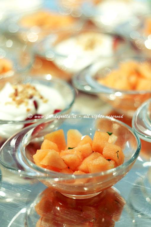 Buffet - frutta fresca e piccoli dessert