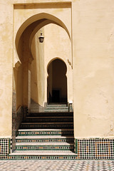 Marocco - Meknes - Ingressi tipici (adriano1281) Tags: scale d50 reflex nikon morocco maroc marocco porte arco ingresso meknes moschea mausoleo ingressi