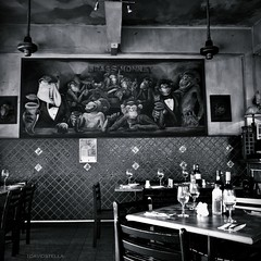 time for happy hour(s). (1davidstella) Tags: white black painting restaurant cafe nikon diner coolpix kotakinabalu monkeys brassmonkey sabah lambshank westernfood p7000 flickraward 1davidstella 4tografie wargyu