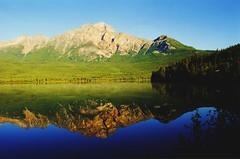 Pyramid Lake Jasper NP - by swisscan