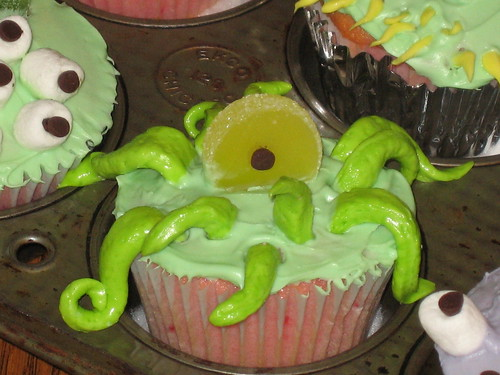 Kang or Kodos Halloween Cupcake
