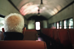 A Man on a Train por mrhollygolightly