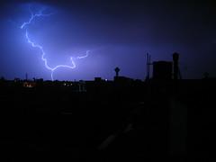 Blitze über der Stadt, von Gopal Aggarwal