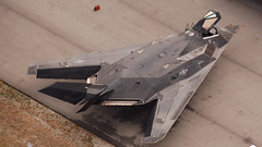 Stealth Fighter on the Ramp (World Wide Murman) Tags: ramp airshow abbotsford f117 stealthfighter