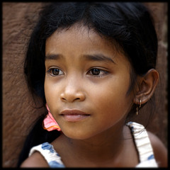 beauty (Alessandro Vannucci) Tags: portrait girl face kid eyes cambodia forsakenpeople angkor ritratto banteaysrey people cambogia iannacell