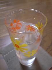 昭和テイスト花柄カップ
