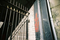 gate (knautia) Tags: uk england film bristol fuji ishootfilm september bedminster vivitar 2007 aagh northstreet fujicolor aaghcrew fujipro160c 160iso vivitarultrawideslim vivigraffiti vivitarroll13