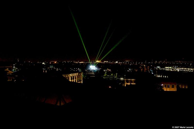 Bjork au laser