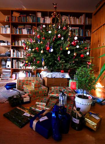 Ajándékáradat és kövér karácsonyfa