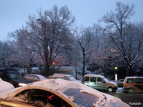 Qui dit neige, dit munitions pour boules de neige...