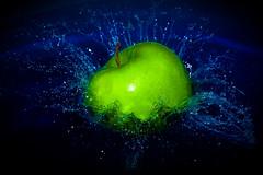 [フリー画像] 食べ物・飲料, 果物/フルーツ, リンゴ, 201006250300