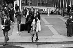 Liverpool st (Che-burashka) Tags: man london girl station crowd rail fromabove fromthebus londonist ef28mm canonef28mmf18usm