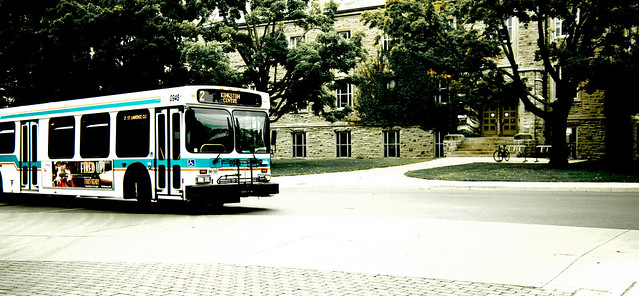 Kingston Transit [EOS 5DMK2 | EF 24-105L@40mm | 1/800 s | f/4 | ISO200]