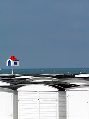 la petite maison qui se prennait pour une grande... - by Mzelle Biscotte