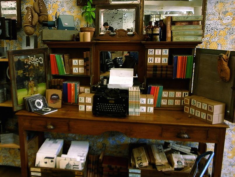 ideal desk