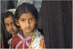 Children-Gujarat (Anjar) (kinginexile) Tags: life portrait india girl kids portraits children eyes asia markets gujarat rabari kutch perplexity