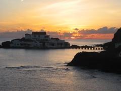 sunrise2 07 10 06 (the incredible how (intermitten.t)) Tags: sea sky sun sunrise amanecer menorca samesquida