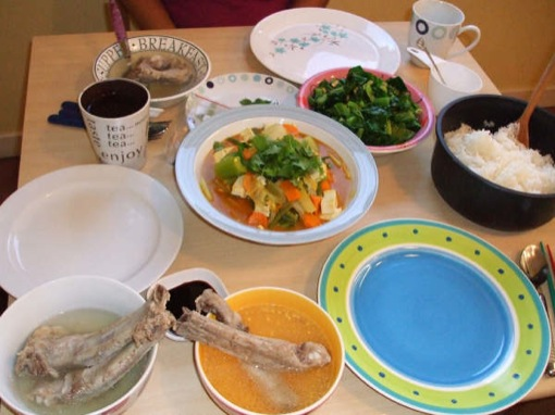 A feast of Sayur Lodeh, stirfried greens, bah kut teh and Japanese rice