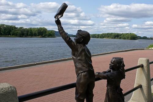 Waving Statue