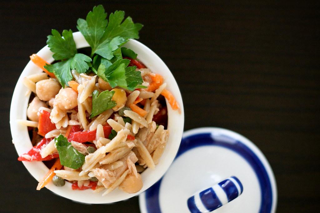 Mediterranean Tuna & Chickpea Salad