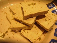 Seasoning the tofu