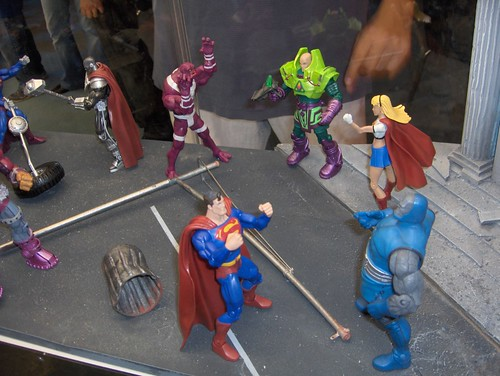 This is what you SHOULD do with your action figures: play with 'em