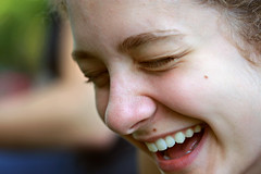 Esther (backpackphotography) Tags: portrait girl beautiful smile happy picnic afternoon sunday lawn sunny lazy laugh joyful backpackphotography