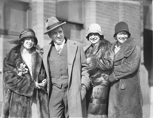 """roaring twenties australia The roaring twenties in australia the 1920's, or the """"roaring twenties"""" was the beginning of a modern age for many australians, it was a time for breaking out, of questioning and changing old values and behaviour and enjoying the good life."""