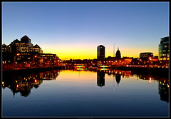 Liffey Sunset a la Nokia - Dublin, Ireland (fileacn) Tags: bridge ireland sunset dublin station walking nokia dusk sean spire liffey blackpool dart libertyhall ire connolly n95 ocasey bailethacliath dubhlinn urbanlifeinmetropolis colorphotoaward philipmilne townofthehurdledford thesettlementofthefordofthereedhurdles