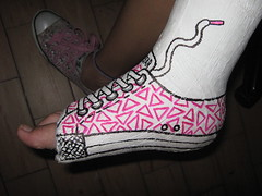 YESO (yellowbirda) Tags: converse pies yeso